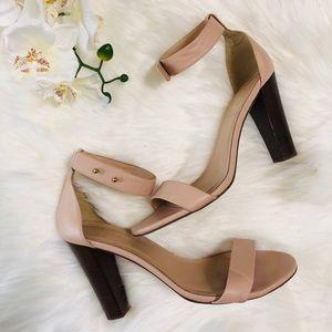 😍NEW LISTING😍 J.Crew blush heels